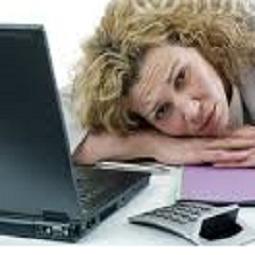 secrétaire fatiguée