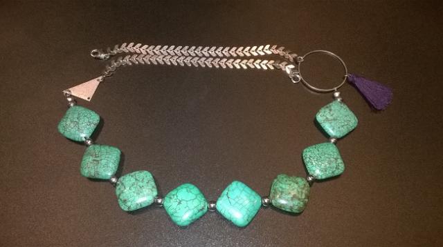 collier en turquoises du Népal créé par Émilie