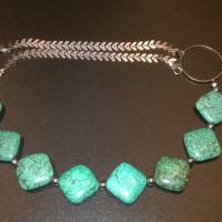 Cadeau Feng Shui, un bijou en Turquoises, c'est un beau cadeau pour une maman.