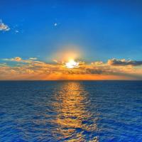 La couleur bleue, couleur de l'été, symbole de paix et de sérénité.