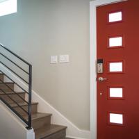 Le point d'entrée de l'énergie dans votre maison: votre porte d'entrée.